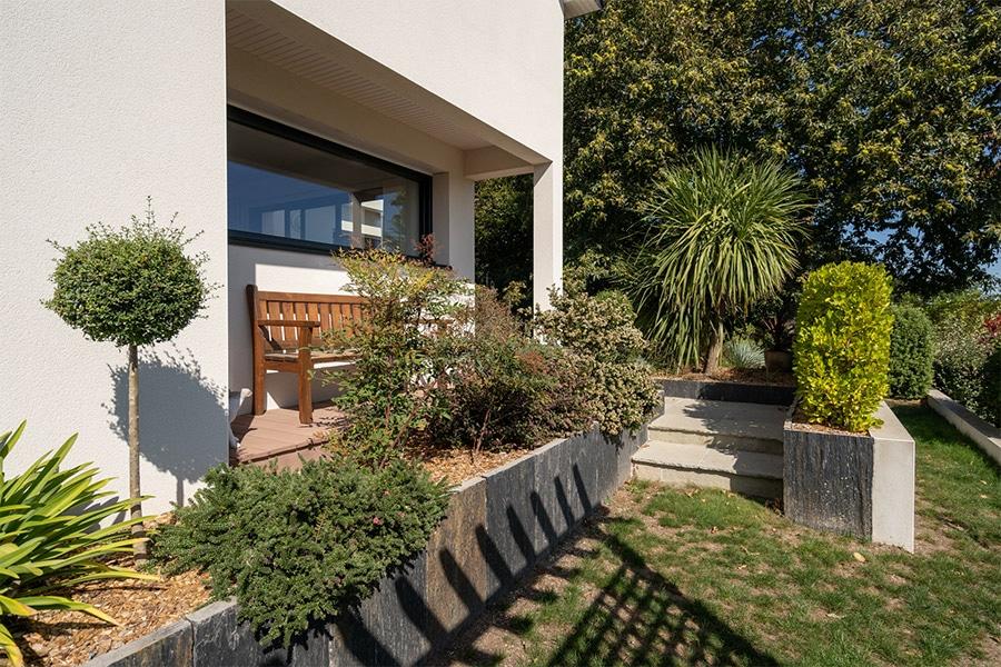 Maison jardin paysagé